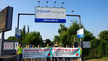 Protestaktion bei DS Smith Packaging Berlin