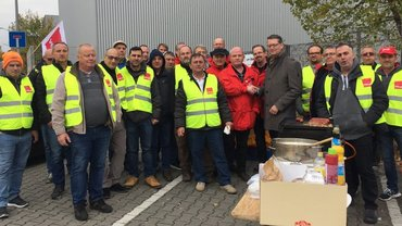 Besuch von Thorsten Schäfer-Gümbel bei den streikenden Kolleginnen und Kollegen der FSD
