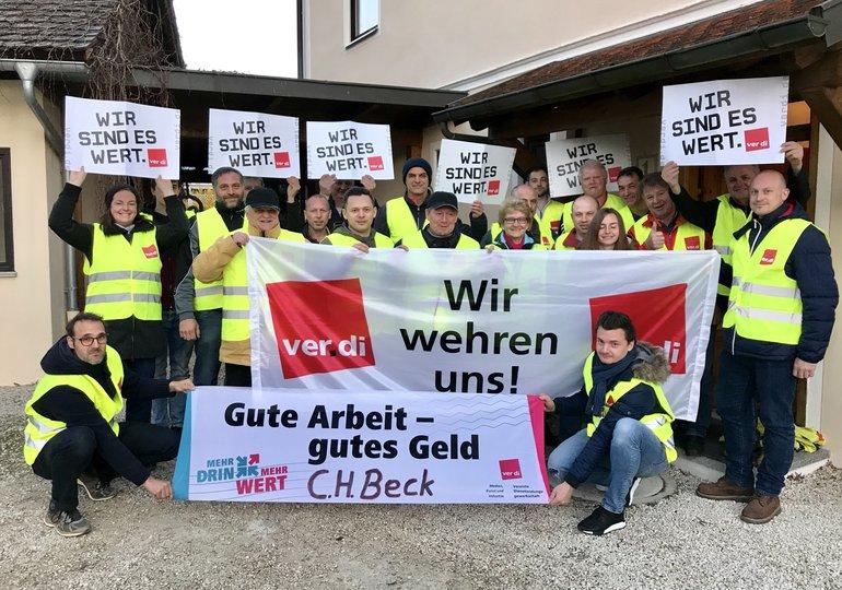 Warnstreik bei C. H. Beck in Nördlingen, 12.04.2019